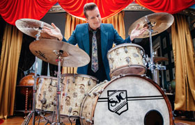 Tre Cool (Green Day) mit SJC Custom Drum Kit